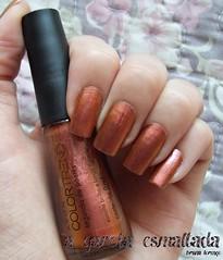 Esmalte Segunda de Paetês, da Avon. (A Garota Esmaltada) Tags: agarotaesmlatada unhas esmaltes nails nailpolish manicure duochrome cobre avon segundadepaetês colortrend