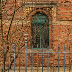 Happy Fenced Friday! (Janos Kertesz) Tags: fence zaun münchen munich bavaria bayern building wall architecture window old facade construction house brick vintage exterior design ancient red