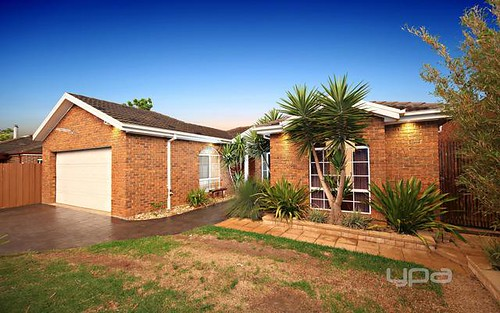 11 Moonlight Terrace, Sydenham Vic