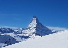 Il #Cervino visto dalle piste di #Zermatt, da qualche parte tra il #Rothorn ed il #Gornergrat #zermatt #zermattmatterhorn #matterhorn #svizzera #swizzerland #neve #snow #ski  #montagna #mountain #ghiacciaio (Kalispera2007) Tags: swizzerland svizzera zermattmatterhorn matterhorn zermatt montagna gornergrat neve ski ghiacciaio cervino rothorn snow mountain