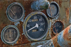 Gauges (Mike Matney Photography) Tags: 2018 canon eos6d march midwest mississippiriver missouri stlouis cars decay graffitiwall modelshoot models unitedstates us