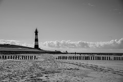 Beach 4 (LAK.Photography) Tags: strand beach wasser water sea clouds wolken sw schwarzweis schwarzweiss schwarz weiss bw blackwhite black white whiteblack nikon d810 tamron 2470mm 70mm leuchturm lighthouse
