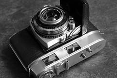 Kodak Retina II C (Type 029) Rangefinder (rainer.marx) Tags: kodak retina 2c iic schneider kreuznach rangefinder lumix f1000 panasonic leica 35mm kleinbild film analog leuchtrahmensucher synchrocoompur klappkamera bw sw messsucher