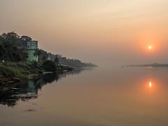 LR Madhya Pradesh 2018-2240150 (hunbille) Tags: birgittemadhyapradesh20181lr ghat ahilyabai ghats ahilyabaighat india madhya pradesh madhyapradesh maheshwar narmada river holy ahilya sunrise