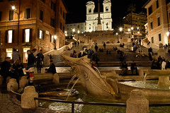Barcaccia (alessandro9634) Tags: rome fountain barcaccia italy nikon shoot photo lovephoto night light by nightbylight yellowlight warm lights post first saturdaynight nightinrome nikond5600 reflex alessandro9634 whater famous monument famousmonument