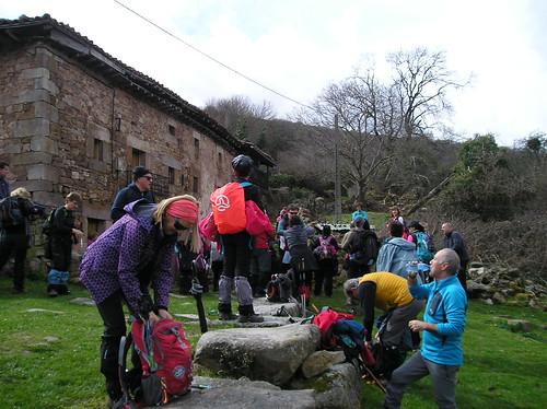 Marcha Senderismo Barbara Barcena Pie De Concha Cantabria Fotografia Javi Cille (21)