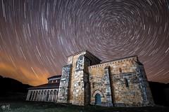 (Delatorrelera) Tags: sigma canon españa frio circumpolar monasterio leon nocheestrellas eos 70d