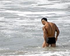 DSCN2893 (danimaniacs) Tags: santamonica beach hot sexy man guy tattoo beard scruff shorts swimsuit trunks hunk mansolo water speedo back muscle muscular