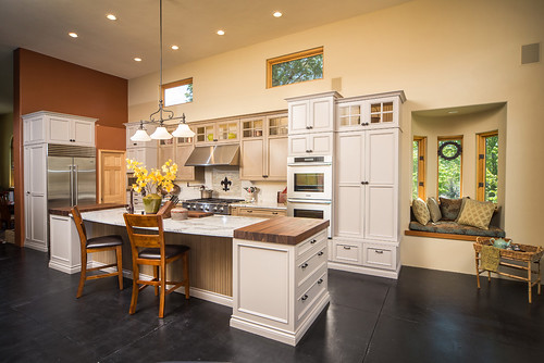 Bend Mountain View Kitchen 0019