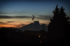 Indian smoke signals on mountains that don't exist (Claudio Nichele (@jihan65 on Twitter)) Tags: clouds sunset mountains illusion indians nuages coucherdesoleil ombres shadows