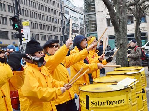 10.03.18: Fukushima-Demo: Die nukleare Kette brechen!