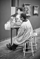 Espionnage industriel (Mathieu HENON) Tags: leica m240 noctilux 50mm noirblanc blackwhite nb bw monochrome france paris 1ier arrondissement musée orangerie peintre copie chefdoeuvre