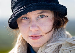 Stranger 456 - Hayley (Andrew The Professor) Tags: glastonbury glastonburytor stranger hayley artist designer knitwear textiles california nature countryside london student hat eyes 85mm sal85f28 reflector outdoors outdoor