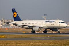 Lufthansa - Airbus A320-214/S D-AIUO @ Frankfurt Main (Shaun Grist) Tags: daiuo lh lufthansa airbus a320 shaungrist fra eddf frankfurt germany airport aircraft aviation aeroplanes airline avgeek