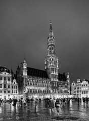 Black and White Brussels (YᗩSᗰIᘉᗴ HᗴᘉS +13 000 000 thx) Tags: brussels bruxelles night monochrome blackandwhite bw 7dwf grandplace hensyasmine namur belgium wallonie europa aaa بلجيكا belgique namuroise proxi belga info look photo friends bélgica ベルギー белгия բելգիա belgio 벨기에 belgia бельгия 比利时 bel be ngc saariysqualitypictures wow yasminehensinterst intersting interestingness eu fr greatphotographers lanamuroise