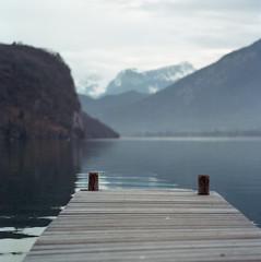 le ponton (the dock) (l'imagerie poétique) Tags: limageriepoétique poeticimagery bronicasqa 150mmf35 mediumformatfilm kodakfilm newportra400 selfdeveloped beleiveinfilm istillshootfilm filmisnotdead