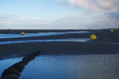 Pediluves (Atreides59) Tags: beach plage bouée bouées eau water mer sea ciel sky nuages clouds bleu blue sable sand pierre pierres jaune yellow dunkerque malo malolesbains nord pentax k30 k 30 pentaxart atreides atreides59 cedriclafrance