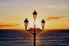 Evening mood (Heinrich Plum) Tags: heinrichplum plum fuji xe2 xf1855mm cadiz spain spanien andalusia andalusien abendstimmung laterne strassenlaterne streetlamp sunset sundown sonnenuntergang