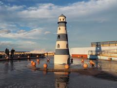 Un faro de juguete (nora4santamaria) Tags: faros marinas lighthouses