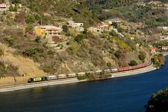"""MEDWAY 335.034 """"Adriana"""" (Nelso M. Silva) Tags: vossloh euro 4000 diesel locomotive medway mercadorias godim linha douro cimento"""
