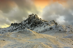 Wintery Peak (wyojones) Tags: wyoming wapitivalley winter absarokamountains cody volcanics absarokavolcanics mountain peak clouds sunset cloudscape wyojones np