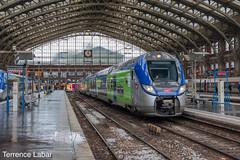La Regio2N Hauts-de-France 124M en gare de Lille-Flandres ce 10 mars 2018. (Photographie ferroviaire) Tags: sncf r2n hautsdefrance nord pasdecalais ter lille rails railways france photography engare hauptbahnhof bahn bahnhof bahnof railing