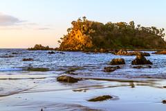 Sunrise, Barlings Beach (HellonEarth2006) Tags: barlingsbeach tasmansea australia coast coastal dawn island landscape morning newsouthwales nsw ocean rocks sea sunrise