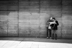 (fernando_gm) Tags: monochrome monocromo monocromatico calle callejera city ciudad people person persona simplicity simple simply simpliticy madrid street blackandwhite bw blancoynegro fujifilm fuji f14 35mm xt1 turismo tourism travel trip travelling traveling turism