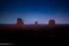 Monument Valley (Gerard Reyes | Fotografía) Tags: moment night stars landscape monumentvalley exposition explorer beatiful photo photographer monuments history