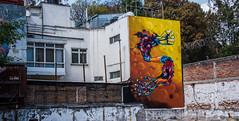 2018 - Mexico City - Roma Norte - Art Walk (Ted's photos - For Me & You) Tags: 2018 cdmx cityofmexico cropped mexico mexicocity nikon nikond750 nikonfx tedmcgrath tedsphotos tedsphotosmexico vignetting juxtapoz artwalk mexicocityartwalk mexicocityjuxtapoz mural wallmural railing brickwall red redrule streetscene street