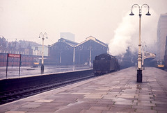 Black 5 4-6-0 No. 45190 reversing out of Marylebone after hauling the 08.15 semi fast from Nottingham on 7th April 1966. (Pam & Bryan) Tags: steamlocomotive greatcentral marylebone black5 45190