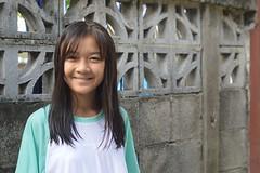 pretty girl (the foreign photographer - ฝรั่งถ่) Tags: jun132015nikon pretty girl teenager cement wall khlong thanon portraits bangkhen bangkok thailand nikon d3200