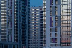 Фасадное остекление на закате (Девелоперская компания) Tags: остекление стекло закатвокне закат отражение ритм архитектура минимализм линии цветное дома жилыедома тюмень россия фасад стеклянныйфасад фиолетовый ултрафиолетовый тепло синий город ритмгорода жилойдом массоваязастройка glass sunsetinthewindow sunset reflection rhythm architecture minimalism lines color houses apartmentbuildings tyumen russia facade glassfacade purple ultraviolet heat blue city rhythmofthecity residentialhouse massivedevelopment архитектурнаяфотография геометрия вертикально здание цветноездание glazing apartmenthouses massbuilding architecturalphotography geometry vertical building colorbuilding