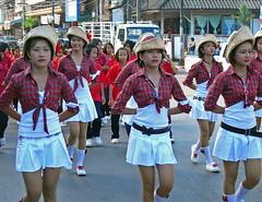 Street Parade in Trat (Wolfgang Bazer) Tags: trat thailand street parade girls mädchen southeast asia südostasien