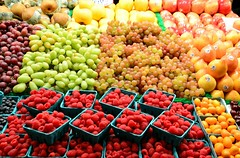 #103/118 - Nutritious - 118 Pictures in 2018 (Krasivaya Liza) Tags: pike place market pikeplace pikeplacemarket flowers fish veggies stalls vendors fruit seattle wa washington state pac northwest pacific puget sound waterfront city urban cityscape street streets art snow snowy winter feb 2018 103 103118 nutritious fruits marketplace display 118picturesin2018