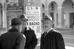 Surprised - Correggio - February 2007 (cava961) Tags: correggio portrait urban analogue analogico monochrome monocromo bianconero bw