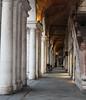 Portici (giovanni_vaccaro) Tags: vicenza veneto italia arte archi architettura bicicletta atmosfera canon canon1300d canon1855 travel