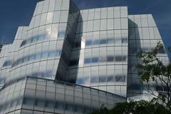 IAC building (gailkeatings) Tags: iac newyorkcity meatpackingdistrict architecture titanic