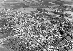 Aerial View of 1950's Chatteris Market Town (Kev Gregory (General)) Tags: 1950 aerial view chatteris cambridgeshire park street london huntingdon road market town fens fenland
