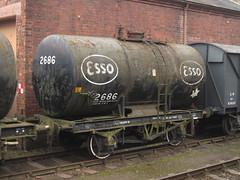 IMG_8220 - Esso Class B 20T Anchor-Mounted Tank Wagon 2686 (SVREnthusiast) Tags: severnvalleyrailway svr severnvalley severn valley railway autumngala2013 essoclassb20tanchormountedtankwagon2686 esso classb 20t anchormounted tankwagon 2686