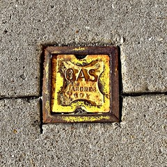 """""""Boxed Beauty"""" (Halvorsong) Tags: art composition color colors yellow rust rusty oxidized oxidization street iron metal america americana classic antique explore hiddengems square weathered vintage texture textured nashville urban sign signs"""