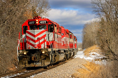 Dynamic Winter Light (sdl39hogger) Tags: wsor watco wisconsinsouthern waukeshasub emd electromotivedivision sd402 southernkettlemoraine eagle wisconsin canon canont6i
