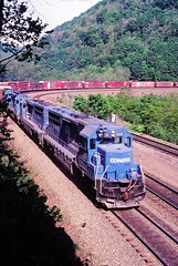 CR 6666 at Altoona, PA (dl109) Tags: conrail sd452