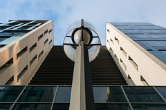 levé de regard en couleur (Rudy Pilarski) Tags: nikon tamron d7100 2470 architecture architectura abstract abstrait color couleur colour line ligne geometry geometrie géométria graphique paris perspective france lookup ladéfense forme form structure fenêtre windows lampadaire moderne modern