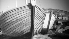Dry (4foot2) Tags: hastings hastingsbeach fishingboat boat dry beach wood analogue film filmphotography 35mm 35mmfilm rolleiretro rolleiretro400s 400s hc110 kodakhc110 kodak bw blackandwhite monochrome mono zorki zorki6 russiancamera зоркий зоркий6 jupiter12 russianlens юпитер12 юпитер fsu soviet ussr wideangle 2018 fourfoottwo 4foot2 4foot2flickr 4foot2photostream