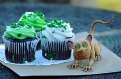 Do you celebrate St. Patrick's Day? Izya does ) (air_dan) Tags: walloya morring bjd tarsier pet
