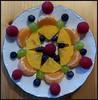 Obstmandala / Mandala of Fruit (ursula.valtiner) Tags: obst fruit mandala mandarinen himbeeren heidelbeeren kakis weintrauben muster pattern blueberry raspberry grapes mandarins