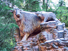 Grouse Mountain 20151230 (caligula1995) Tags: 2015 britishcolumbia grouse statue vancouver