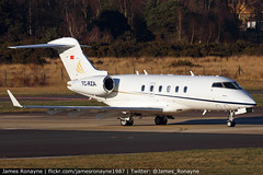 TC-RZA | Bombardier BD100 Challenger 300 | Private (james.ronayne) Tags: tcrza bombardier bd100 challenger 300 private cl300 aeroplane airplane plane aircraft jet biz bizjet business aviation bizav general vip executive corporate corpjet execjet london farnborough fab eglf canon 80d 100400mm raw