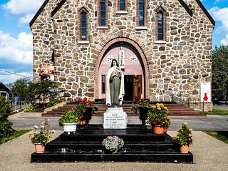 Eglise Ste-Therese-de-Lisieux Church